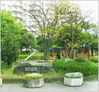 立花寮の隣には公園があります
